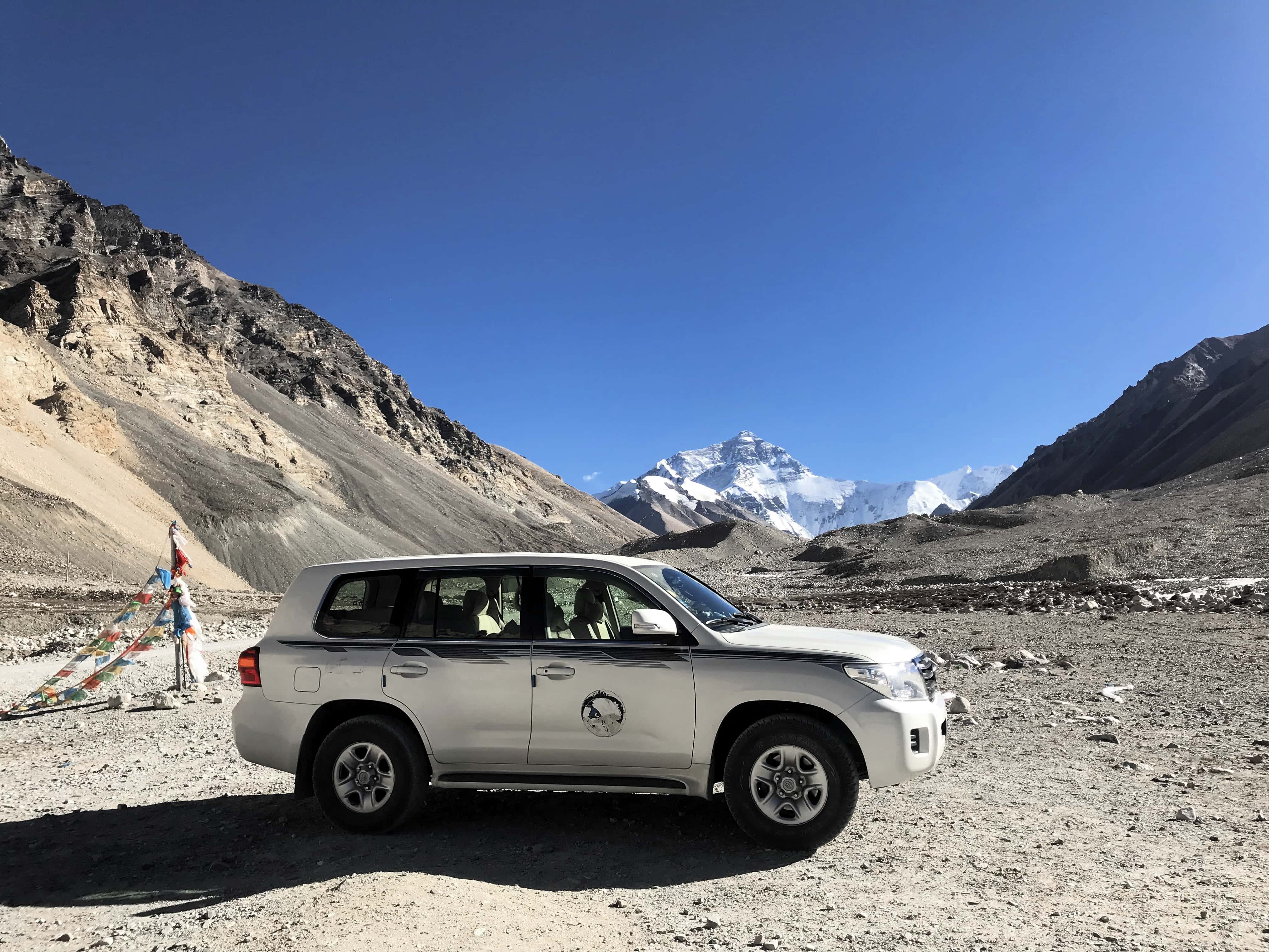 4WD in Tibet with Everest view